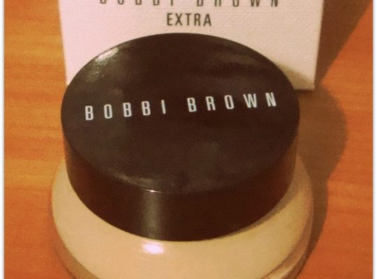 Bobbi Brown EXTRA SPF 25 Tinted Moisturizing Balm: A review.
