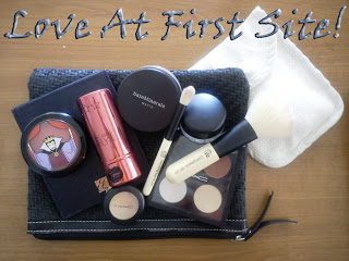 What's in my small cosmetic bag?